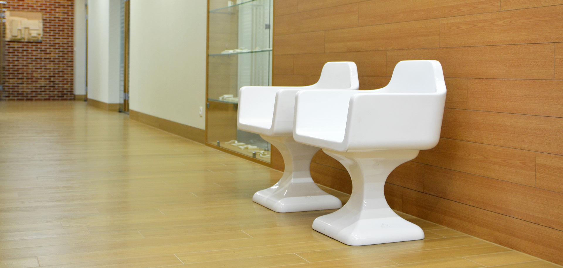 Fotele z laminatu
