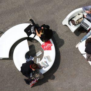 meble miejskie ławki meble do galerii handlowych przestrzeń miejska