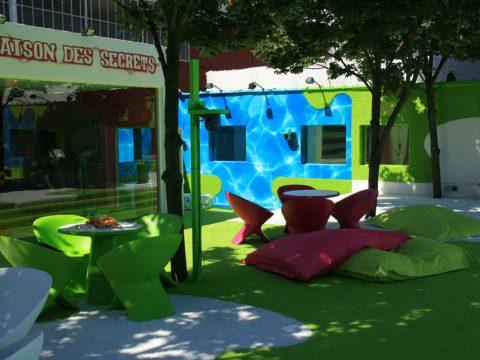 Meble Ublo - fotele miejskie z tworzywa